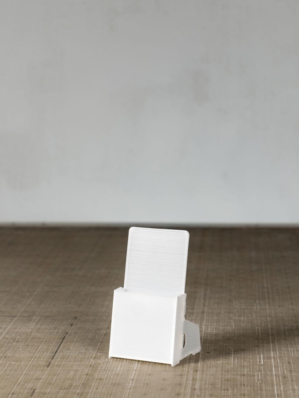 Porta volantini in polipropilene da tavolo